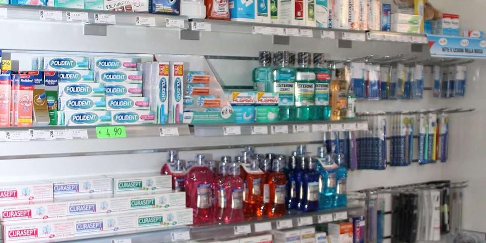prodotti-igiene-dentale-denti-promozione-farmacia-delogu-sassari